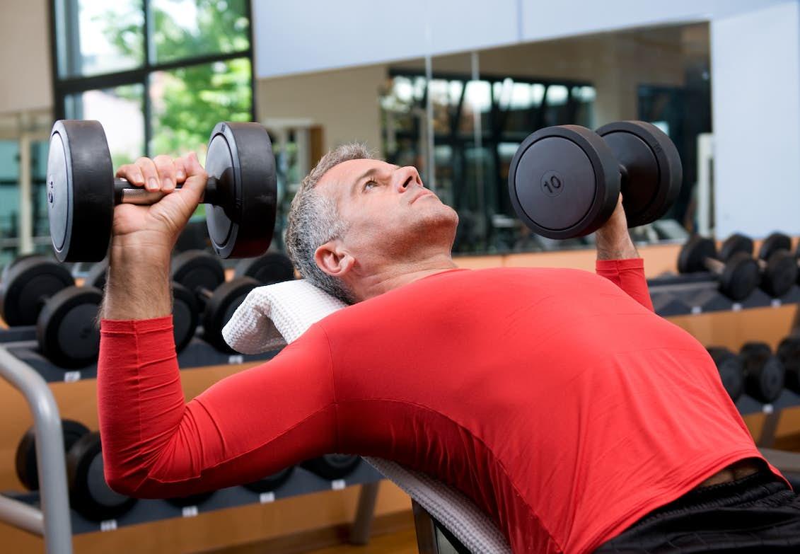 bygga muskler äldre kvinnor