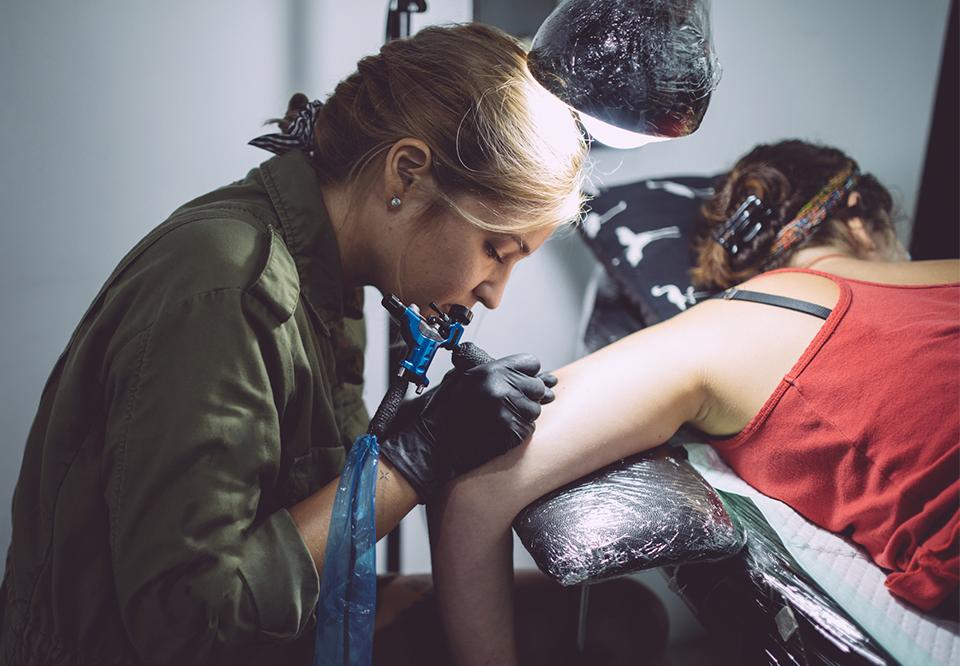 regler for tatoveringer