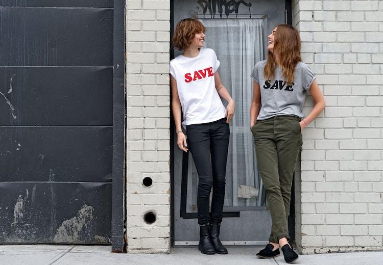 8ef2626ccef Shop den cool SAVE T-shirt og støt   Costume.dk