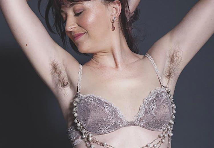 7feb9a815e7 Fotokampagne af 100 kvinder i undertøj vil bevise, at ALLE kroppe er ...