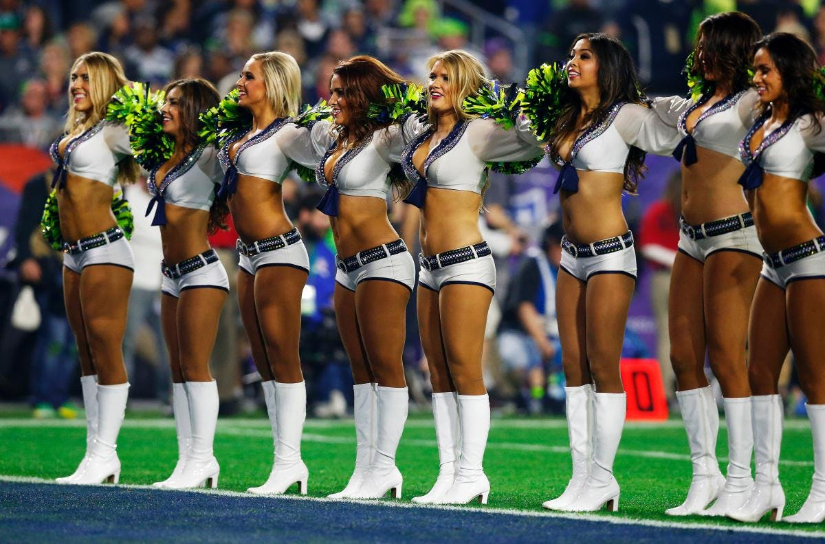 Fredagsguf The Nfl Cheerleader Issue Mmm Dk