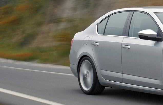 Top 10 lister over nye biler, som taber mindst | Bilmagasinet.dk