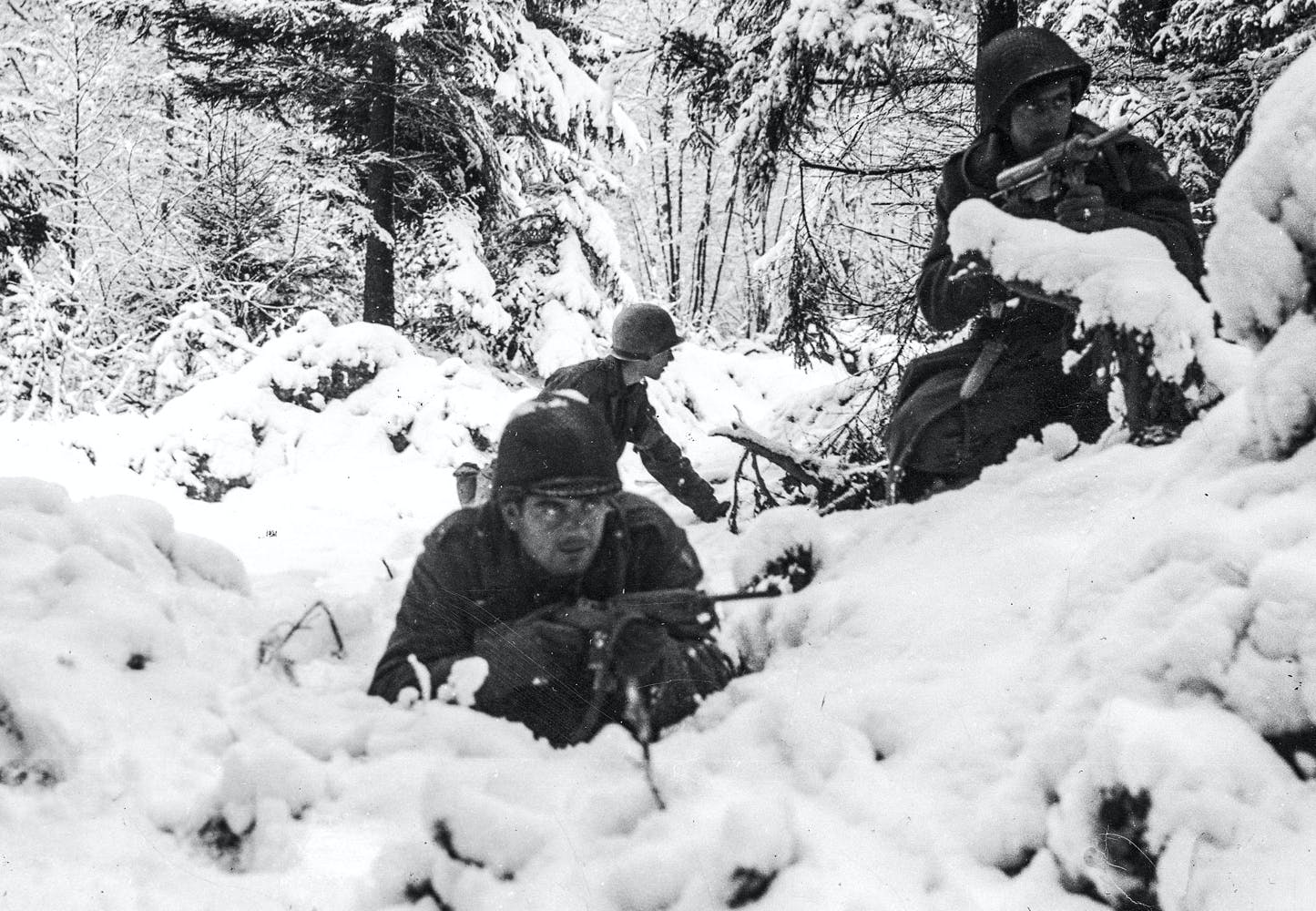 USA kæmper mod en usynlig hær i Krigens sidste Slag | Historienet.dk