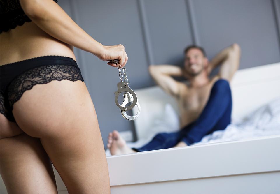 frække stillinger dominans sex