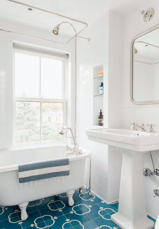 Lille badeværelse | Badekar i 45 små badeværelser | Boligmagasinet.dk
