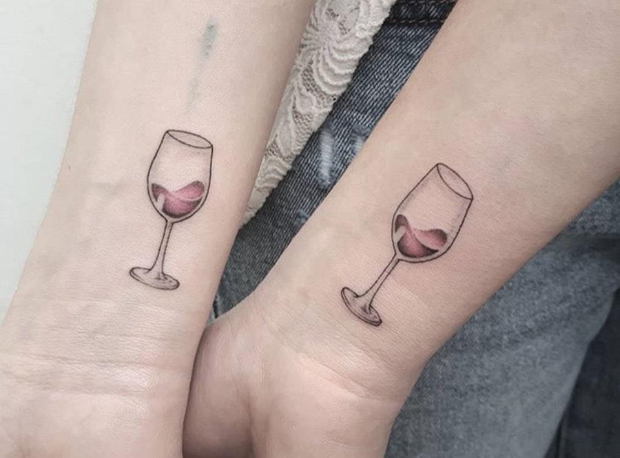små tatoveringer kvinder