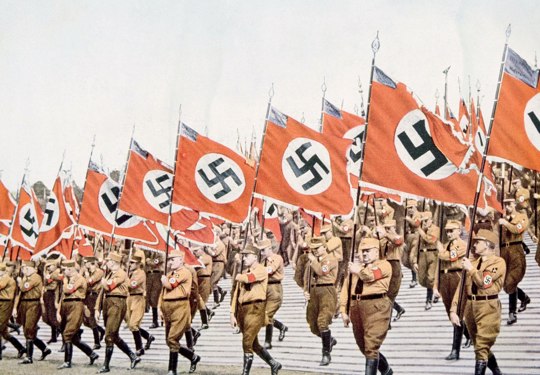 Langa straff for nazister