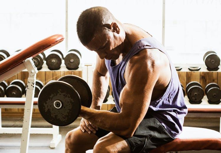 6e1741c1 Kast deg over vektene, så bremser du alderstegn og skavanker   Aktiv ...