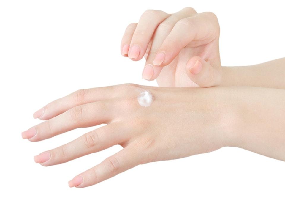 tynd hud på hænderne