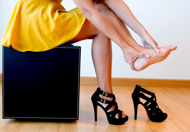 Gratis billeder : hæl, pige, kvinde, læder, fødder, ben