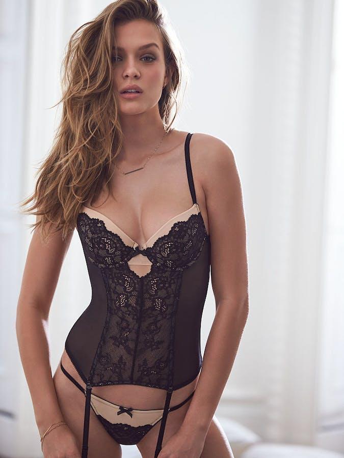 b09a6f086d38 Lingeri fra Victoria s Secret