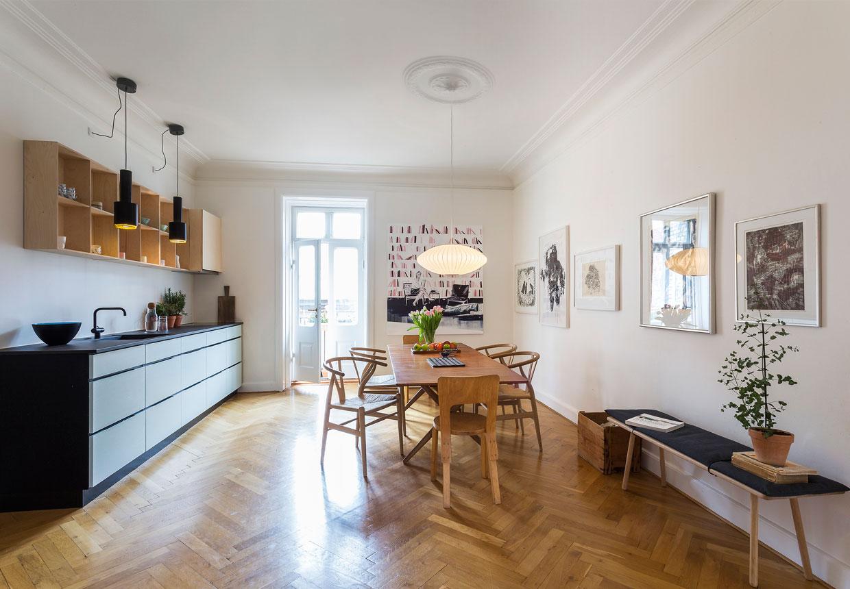 Billedkunstneren Anne Aarslands lyse lejlighed på Frederiksberg ...
