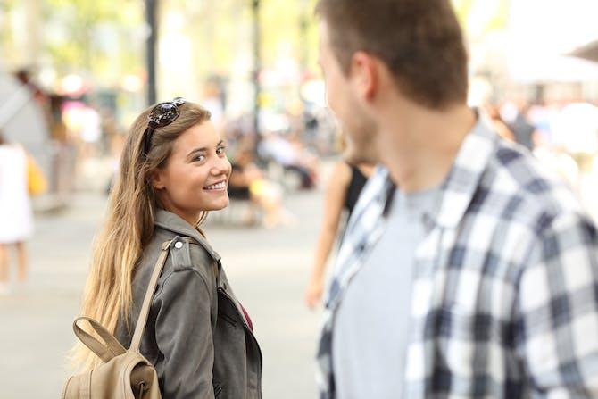 Dating nogen i din kreds af venner