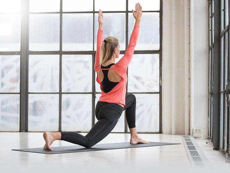 går man ner i vikt av yoga